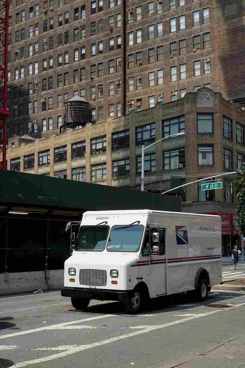 JPG image of a US Postal Service truck